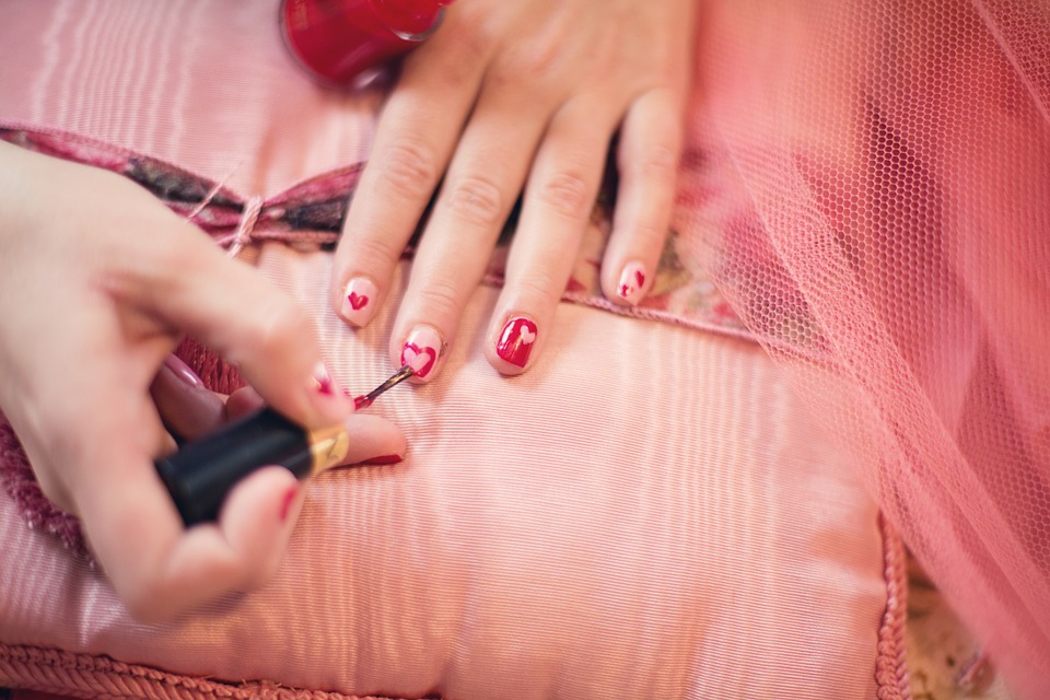 Descubre cuáles son las uñas que debes lucir en verano