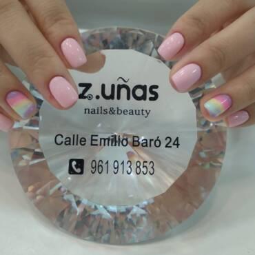 Los colores y estilos de uñas que van a ser tendencia en este verano 2020
